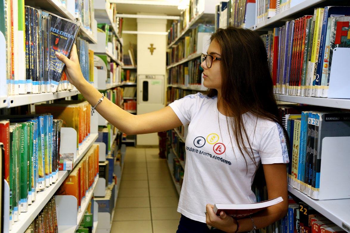 biblioteca-colegio-santo-antonio