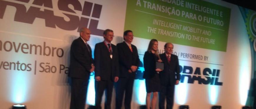 Conheça Fernanda Gatti, ex-aluna que conquistou o prêmio SAE de Engenharia