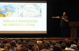 Frei Fábio, em sua palestra