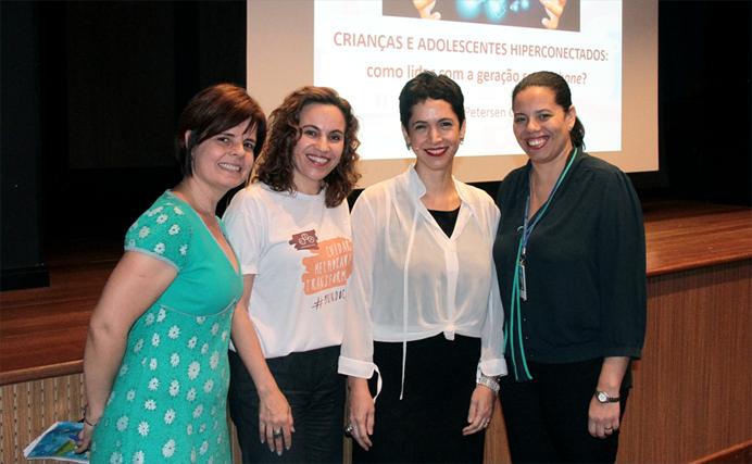Adriana, Flávia, Cristina e Juliana.