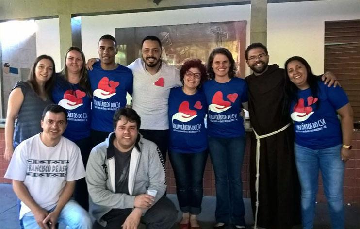 Alguns membros dos Voluntários do Colégio Santo Antônio