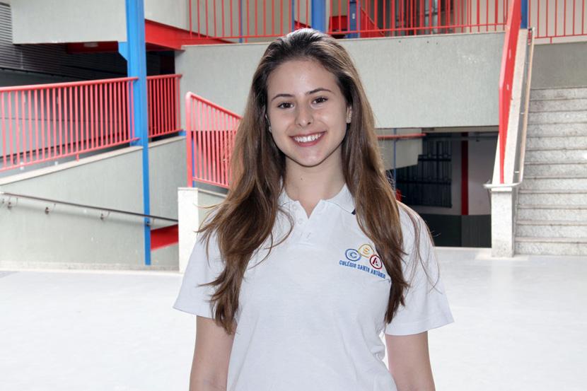 Fernanda foi aprovada em uma Universidade Canadense
