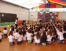 Teatrinho apresenta conceitos matemáticos ao 1º ano do Ensino Fundamental