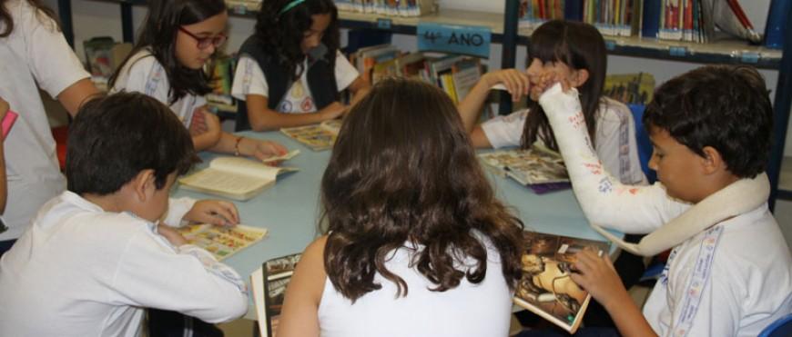 Biblioteca do CSA dá dicas para gostar de ler no Caderno Gerais do EM