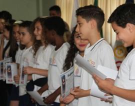Alunos do 5º ano celebram formatura no Proerd