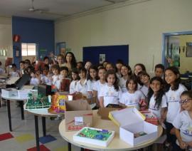 Maquetes encantam nas salas de aula do Coleginho