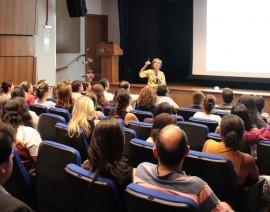 Secretária Municipal de Educação dá palestra no CSA