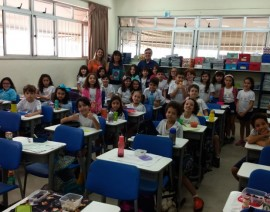 Autor Fernando Carraro visita alunos do 3º e 5º Anos