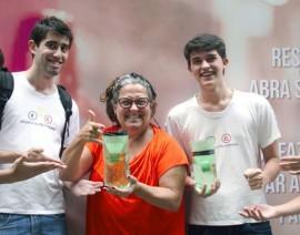 Alunos criam e espalham armadilhas contra a dengue no CSA