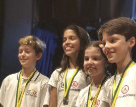 Olimpíada Canguru de Matemática premia 110 alunos do Colégio Santo Antônio