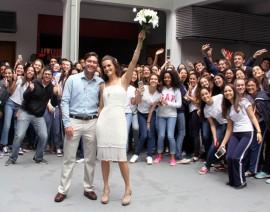 Um Colégio Para Toda a Vida: Santo Antônio é palco do casamento de ex-alunos