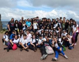 Colégio Santo Antônio marca presença na Peregrinação das Escolas Católicas da Arquidiocese