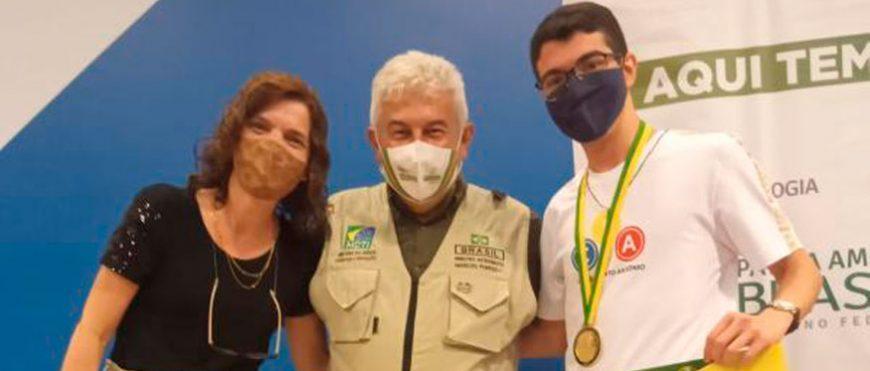 Alunos do CSA recebem medalhas de Olimpíadas Científicas